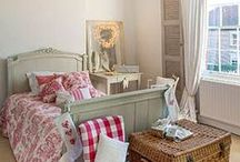 Bedrooms / Bedrooms and guest rooms
