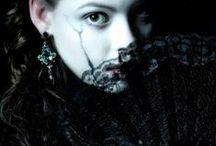 The beauty of darkness / La beauté de l'obscurité