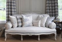 Sofas and daybeds / by Helena Rentmeester