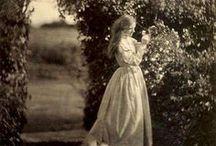 Vintage gardens & gardeners