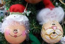Crafts-Painted Lightbulbs / Painted lightbulb ornaments -- A fun & inexpensive idea for decorating year round! / by Jenni Lee