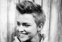 Short Hairstyles / by Stephanie Chapman