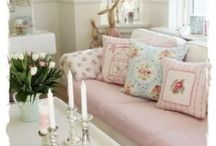 Cottage Decor / Whether it's a Beach Cottage or Country Cottage, here are plenty ideas to inspire you.
