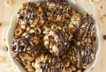 Easy Healthy Snacks / Easy healthy snacks that are quick to make and good for you too!