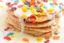 Pancake Recipes / If you're craving homemade pancakes this board has you covered! Learn how to make pancakes from scratch from a buttermilk pancake recipe, chocolate chip pancakes, banana pancakes and even over the top dessert pancakes!