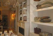 Muebles -Costa Este London- / Resumen de los trabajos realizados para la tienda de textil hogar Costa Este London. El mobiliario fue fabricado íntegramente en nuestras instalaciones de Bueu. Posteriormente el montaje en el establecimiento comercial lo llevamos a cabo en su tienda de Londres y Barcelona.