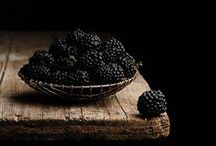 Blackberries / Blackberries and their uses in cooking, drinking, printing, dyeing and art