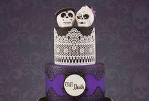 Cakes: Dark, Gothic and Rock 'n' Roll / Wedding cakes for your gothic and rock themed wedding. #wedding #cake #weddingcake #darkwedding #darkweddingcake #gothicwedding #gothwedding #gothiccake #gothcake #gothicweddingcake #gothweddingcake #moodywedding #moodyweddingcake #rocknrollwedding #rocknrollcake #rocknrollweddingcake