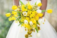 Bouquets: Gold and Yellow / Gold and yellow bridal bouquets. #wedding #weddingbouquet #bridalbouquet #goldbouquet #goldbridalbouquet #goldweddingbouquet #yellow bouquet #yellowbridalbouquet #yellowweddingbouquet