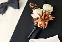 Boutonnieres: White and Ivory / White an ivory boutonnieres. #boutonnieres #buttonholes #groom #groomflowers #wedding #whiteboutonniere #whitebuttonhole #ivoryboutonniere #ivorybuttonhole #classicwedding