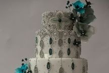 Cakes: Glam / Glam wedding cakes full of sparkle. #wedding #cake #weddingcake #glamwedding #blingwedding #glamcake #blingcake #glamweddingcake #blingweddingcake