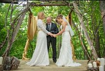 Aisles and Altars: Woodland / Woodland inspired wedding aisles and altars. #wedding #woodlandwedding #woodlandweddingceremony #woodlandweddingstyle #woodlandthemedwedding #woodlandweddingdecor
