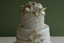 Cakes: Vintage: Pearls / Vintage styled wedding cakes featuring pearl details.   #wedding #cake #weddingcake #vintagewedding #vintagecake #vintageweddingcake #shabbychicwedding #shabbychiccake #shabbychicweddingcake #pearlwedding #pearlcake #pearlweddingcake #pearlvintagewedding #pearlvintagecake #pearlvintageweddingcake #vintagepearlwedding #vintagepearlcake #vintagepearlweddingcake