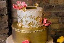 Cakes: Vintage: Metallic / Vintage wedding cakes with metallic details.   #wedding #cake #weddingcake #vintagewedding #vintagecake #vintageweddingcake #shabbychicwedding #shabbychiccake #shabbychicweddingcake #metallicwedding #metalliccake #metallicweddingcake #metallicvintagewedding #metallicvintagecake #metallicvintageweddingcake #vintagemetallicwedding #vintagemetalliccake #vintagemetallicweddingcake.