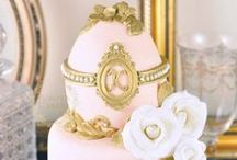 Cakes: Victorian / Victorian inspired wedding cakes.  #wedding #cake #weddingcake #victorianwedding #victoriancake #victorianweddingcake #victorianinspiredwedding #victorianinspiredcake #victorianinspiredweddingcake #vintagewedding #vintagecake #vintageweddingcake