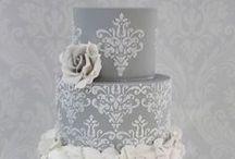 Cakes: Classic: Damask / Classic damask wedding cakes. #wedding #cake #weddingcake #classiccake #classicweddingcake #damaskcake #damaskweddingcake #classicdamaskweddingcake