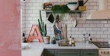 KÜCHE | Schlichtes & gemütliches Design / I love kitchens! Find inspiring designs with green, mint, wood, black and white, maroccan design, lots of DIY and more. Küche, Deko, Ideen, Inspirationen, Einrichtung, einrichten.