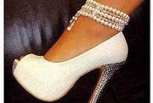 ❦ Mariage : chaussures de la Mariée ❦ / Etre élégante à son mariage passe aussi par de jolies chaussures ! / by Nathalie DAOUT - Formatrice