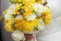 Bodas Color Amarillo / El amarillo es uno de los tonos pastel más encantadores, y le queda perfecto a una decoración de boda en el día. Ideal para bodas divertidas, alegres, primaverales y veraniegas. Más info en http://www.entrenovias.com/ideas-para-bodas-color-amarillo.html