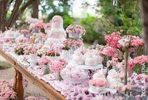 Dessert tables AND party decoration - AS FESTAS MAIS DESEJADAS / Decoração e ideias para festas e festas infantis: mesa do bolo, lembrancinhas, doces, bolo, flores. Todas as decorações são minhas.