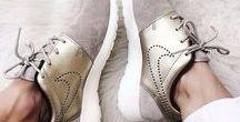 . SAPATOS . / Salto alto, tênis, botas e chinelos, aqui você encontra todo o tipo de calçados femininos.
