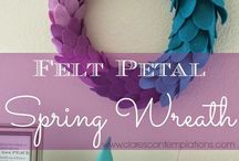 Crafts: Wonderful Wreaths / Rings of wonder for your walls and doors