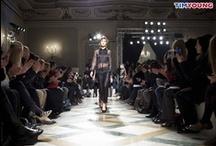 TIM Pink / La fashion blogger Simona Melani ci accompagna durante la Settimana della Moda proponendoci i migliori pin dalle sfilate