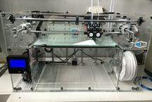 Prenta 3D-tulostin / Kuvia Prenta 3D-tulostimesta ja sillä tulostetuista tuotteista.