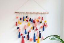 On the wall. / Schluss mit langweiligen Wänden! Entdeckt tolle DIYs für Wandschmuck und coole Ideen für eure Wandgestaltung. // Wall hangings, picture frames