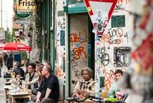 Berlin // Kreuzberg / Mittendrin: Der Berliner Bezirk Kreuzberg liegt perfekt für einen Ausflug und es lässt sich wunderbar darin wohnen, ausgehen und die Zeit vertreiben.