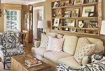 Living Rooms / by Lynette Bondietti