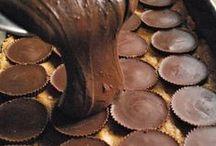 Yummo:Desserts / by Jen Carson