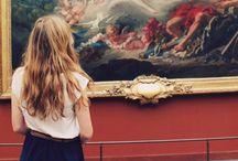 people at museums looking at paintings ☁ / wow