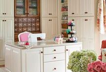 Home Office Ideas / Organization, inspiration, ideas, and DIY projects to help you organize your home office or work space. Easy and cheap organizing ideas for the home.