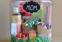 Gift Ideas / Great gift ideas for moms, daughters, family, teachers and friends