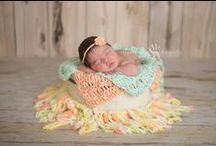 Babies in Baskets, Bowls and Buckets / Inspiration for posing babies in baskets, bowls and buckets.