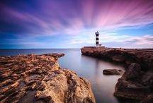 Mallorca / Mallorca es la isla más grande del archipiélago balear, el cual forma una comunidad autónoma uniprovincial, la más oriental de España.