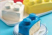 Food Stuff: Cakes and Cupcakes / by Ellen Moeller