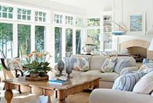 Living rooms / by Joan Schultz