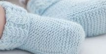 Tricot bébé // Baby knitting / Idées de tricot pour bébé, créations en laine et layette, modèles gratuits et tutos.  Everything baby knitting, cute layette, baby clothes inspiration and free patterns.