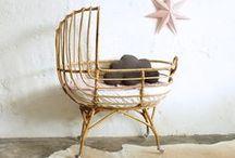 Nursery Decor / Ideas for a beautiful baby nursery: bedroom decor, wall art and color inspiration.  Inspirations chambre de bébé: déco murale, couffins retro et accessoires.