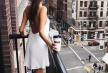 City Style White Dress / Cute White Dresses In the City. Find Your Best City Dress in New York, Paris, Hong-Kong, Rome, Tokio and Sydney.