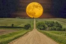 Beautiful Moon / Photos, art, and cute moon pictures / by Paula Snoddy