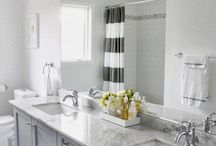 Master Bathroom / Master bathroom home decor inspiration. Luxe bathroom with marble, brass, silver, and gray touches.