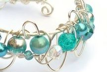 Jewellery Inspiration / A huge selection of jewellery inspiration from likeminded crafters around the world