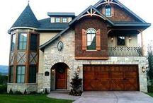 New house / by Brittany Hendricks
