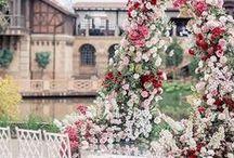 Ceremony Arch / #flowerarch #weddingflowers #weddingflorist #weddingdecor #weddingdetails #ceremonyarch #ceremonydecor #weddingday #weddingceremony
