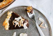 Sweet Treats Recipes / Decadent and presumably delicious dessert and sweet treat recipes to bake! ;)