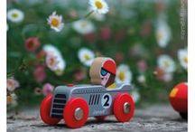 3, 2, 1 ... GO ! / Jouets en bois, voitures et courses de voitures en pleine ville. Jouets Janod à partir de 3 ans.