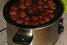 Food - Slow Cooker Foods / by Shanna Crabb